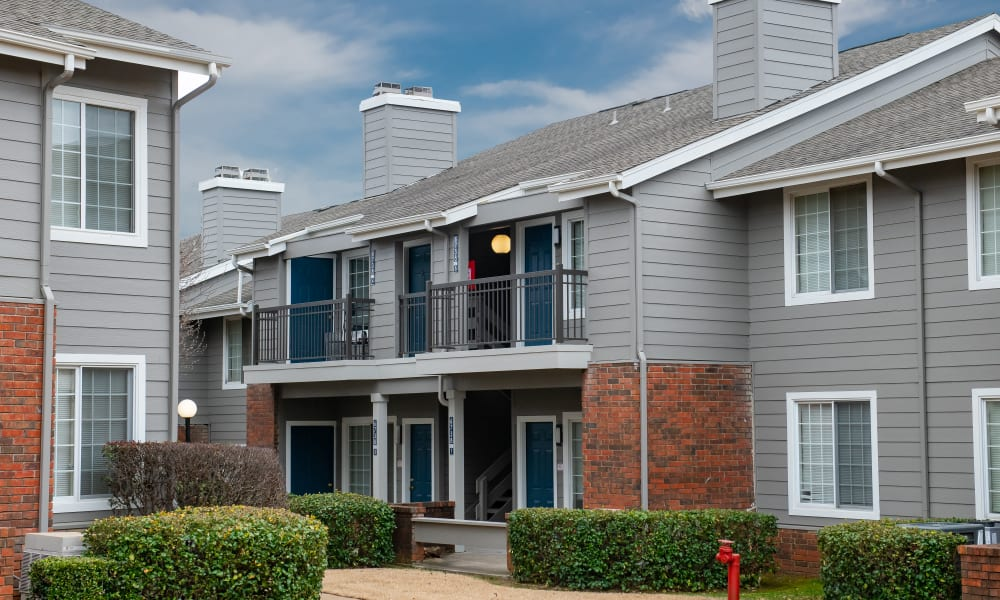 A row of apartments at The Courtyards in Tulsa, OK