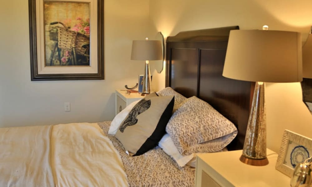A bedroom at The Retreat at Sunbrook in St. George, Utah