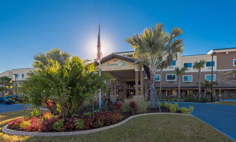 Exterior view of main building at Inspired Living at Lakewood Ranch in Bradenton, Florida
