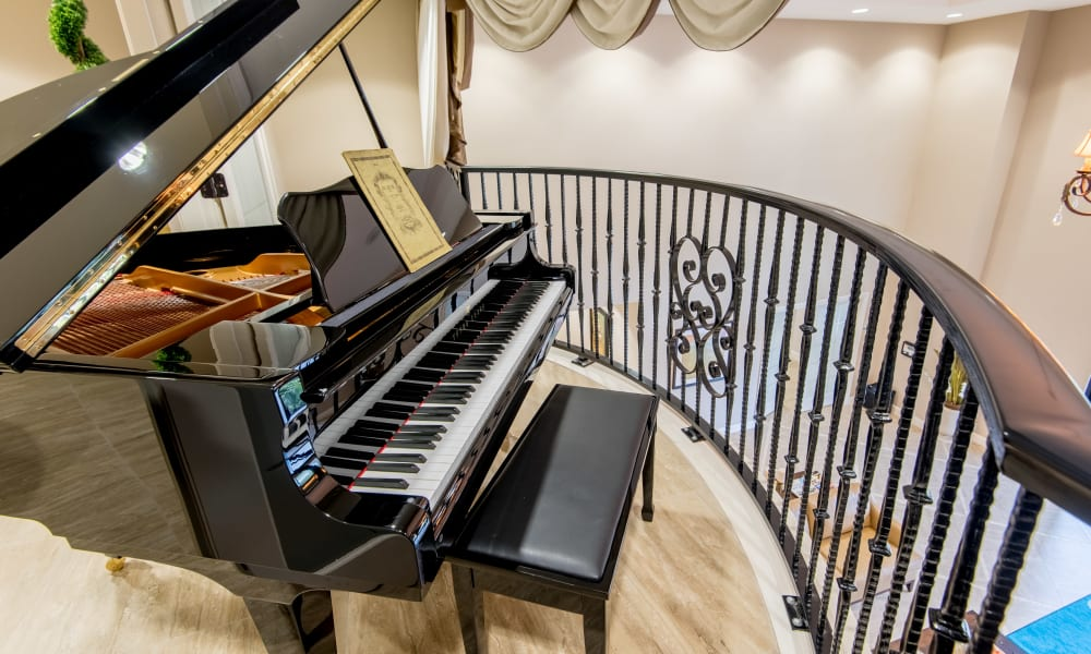 A piano at Inspired Living Lakewood Ranch in Bradenton, Florida