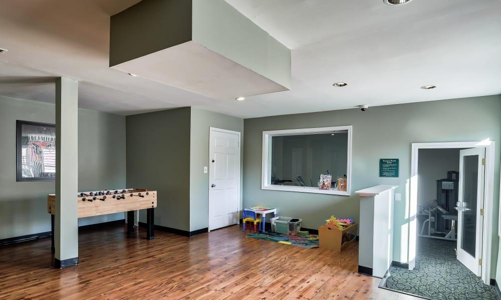 Game room at Abbotts Run Apartments in Alexandria, Virginia