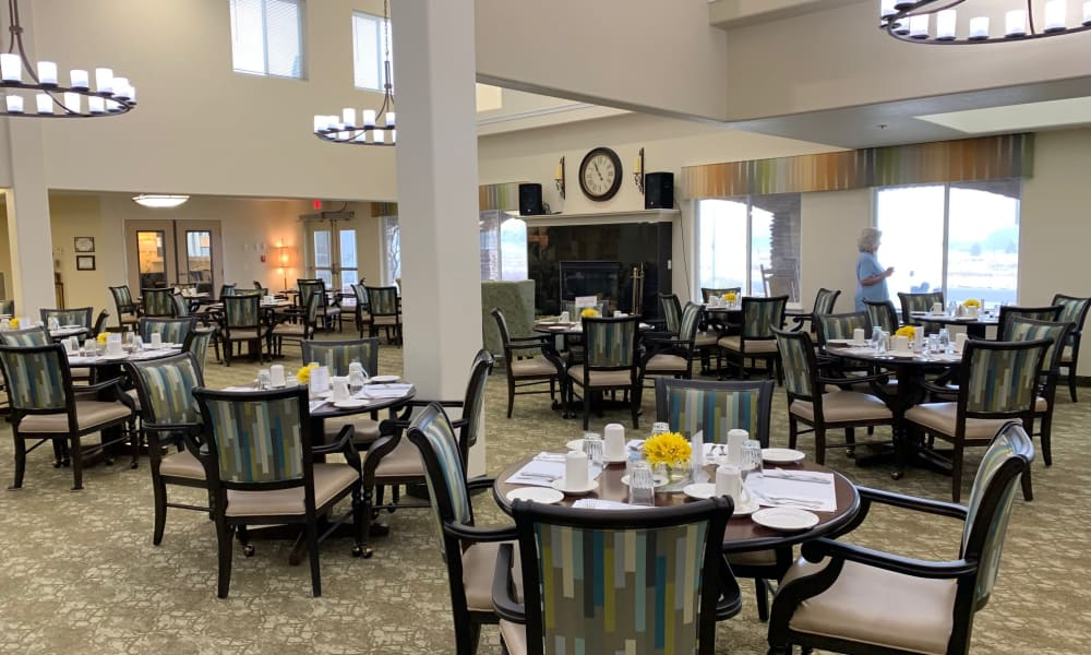 Beautiful dining room at Paloma Landing Retirement Community in Albuquerque, New Mexico