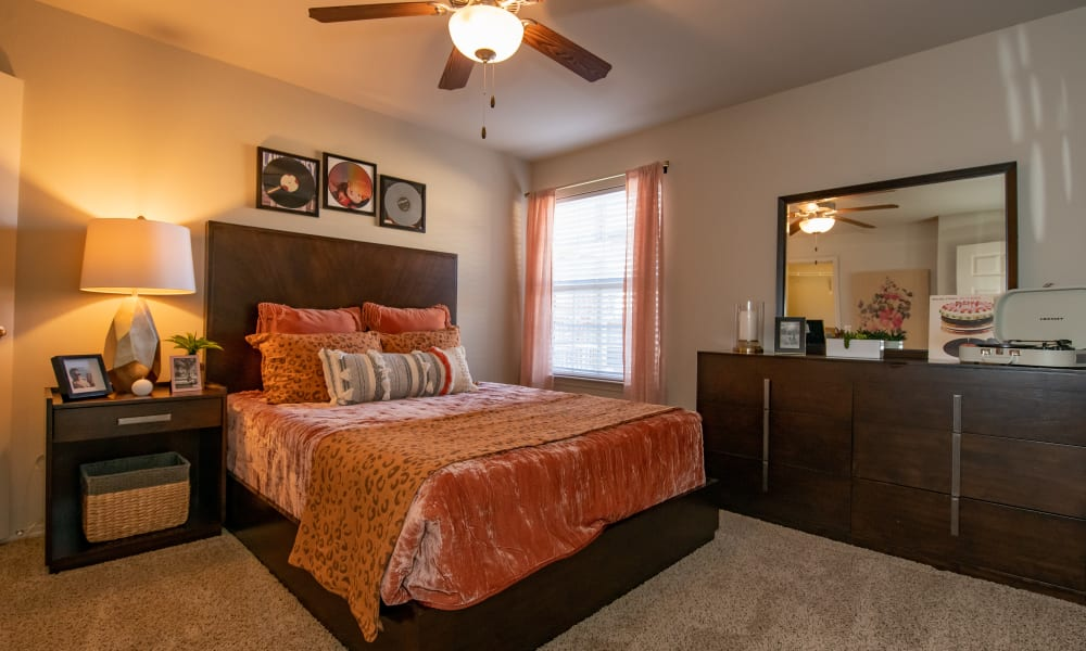 An apartment bedroom at Villas at Canyon Ranch in Yukon, Oklahoma