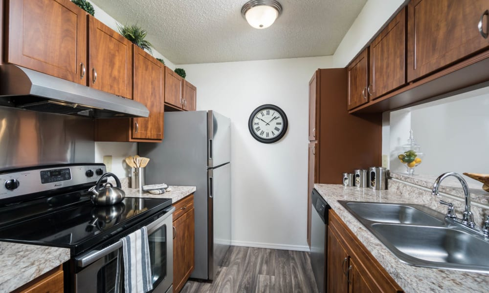 An apartment kitchen at Paddock Club Apartments in Florence, Kentucky