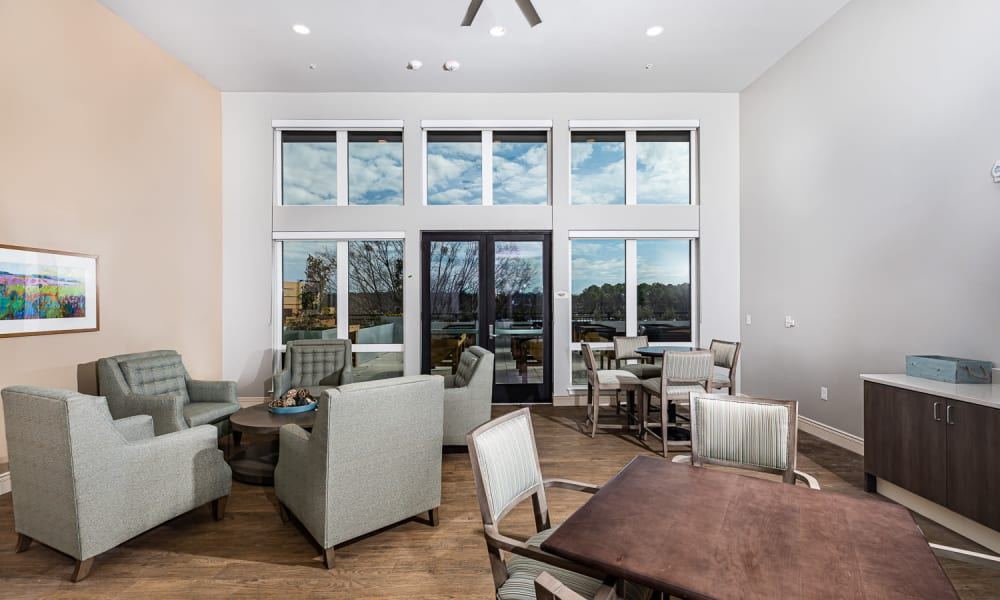 Community lounge at Merrill Gardens at Columbia in Columbia, South Carolina.