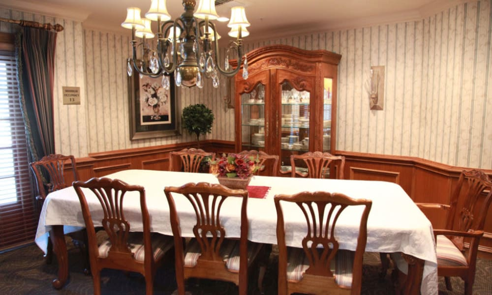 Private family dining room at Quail Park on Cypress in Visalia, California