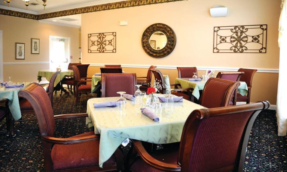 Restaurant style dining room at Quail Park of Granbury in Granbury, Texas