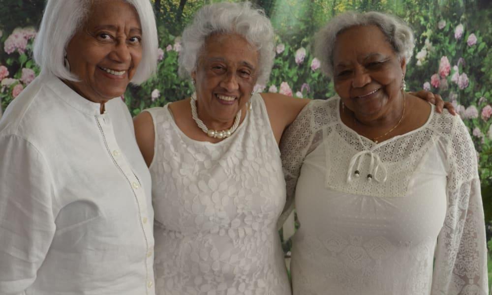 Residents of Azalea Estates Gracious Retirement Living in Chapel Hill, North Carolina