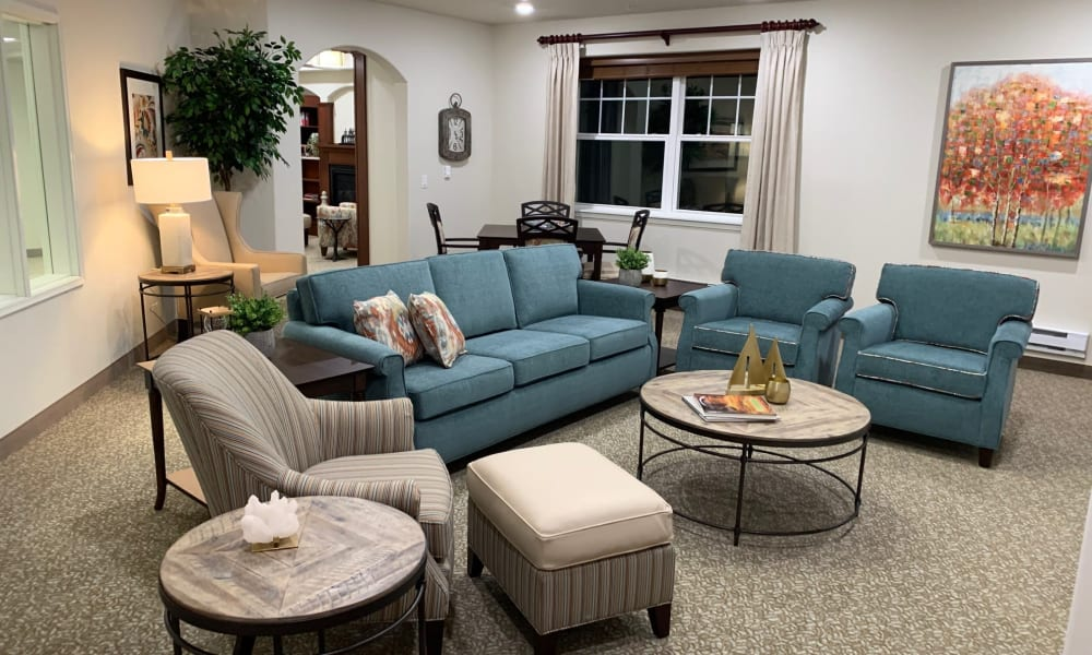 Sitting area at Azalea Estates Gracious Retirement Living in Chapel Hill, North Carolina