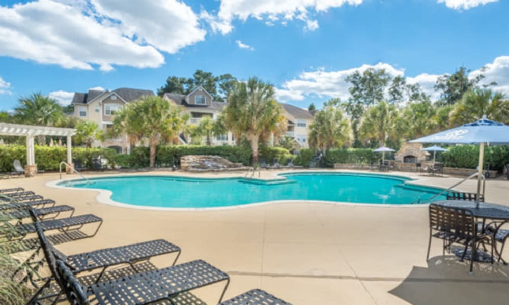 Resort-style swimming pool at Walden at Chatham Center in Savannah, Georgia