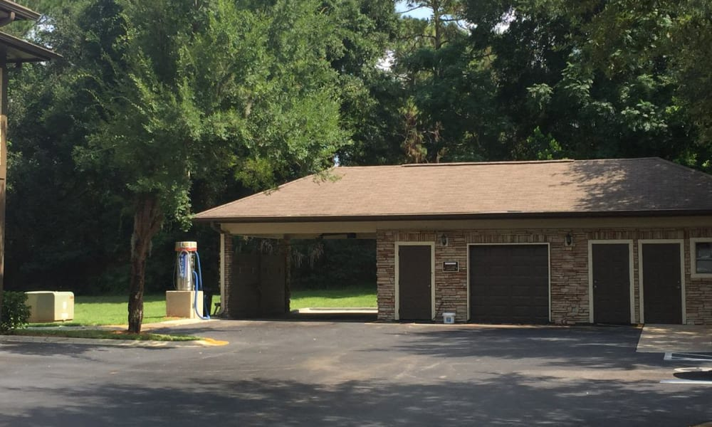 Car care center at Wimberly at Deerwood in Jacksonville, Florida