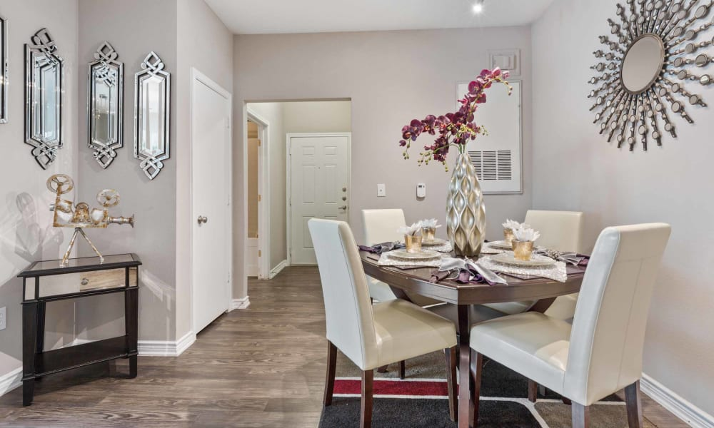 Dining area at Archer Stone Canyon