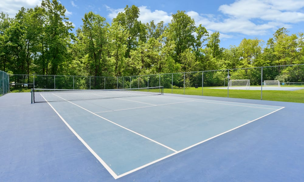 Tennis courts at Marchwood Apartment Homes