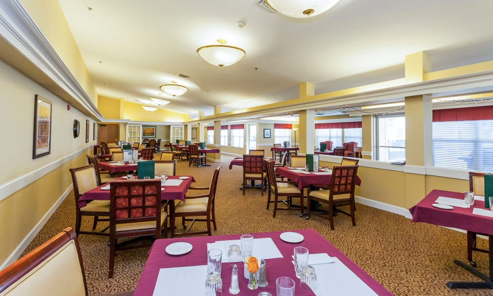 Large resident dining room at Lassen House Senior Living in Red Bluff, California