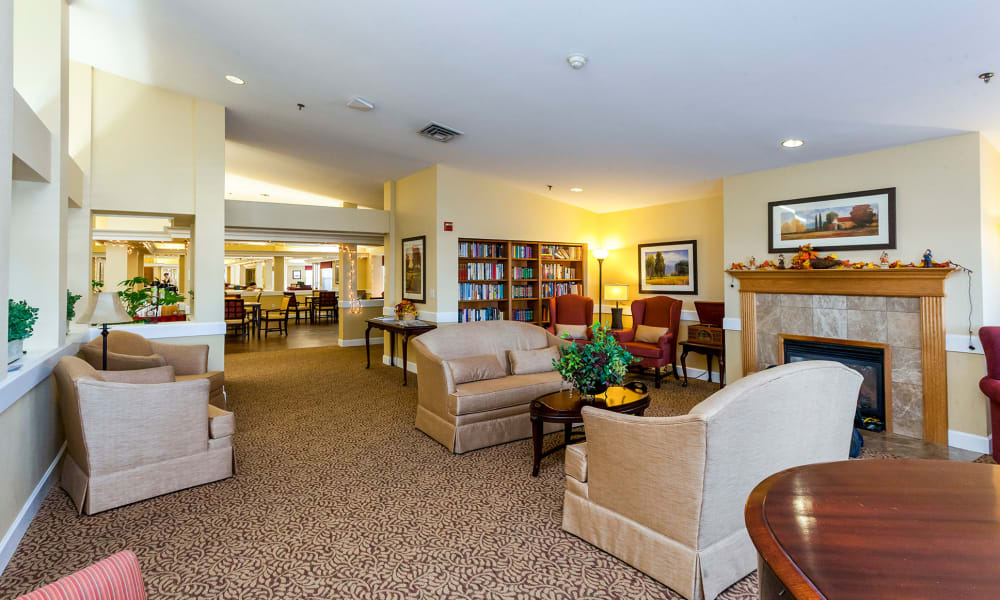 Cozy community living room at Lassen House Senior Living in Red Bluff, California