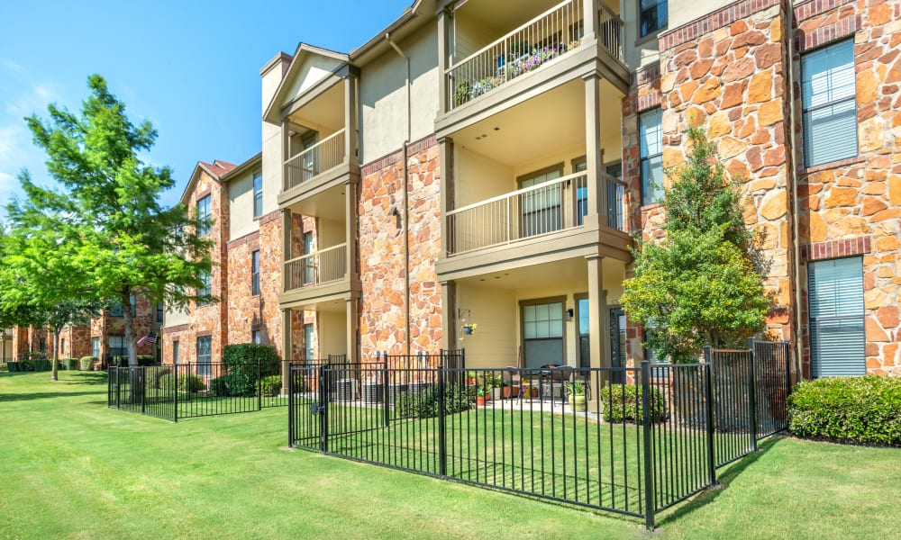 Apartment exterior at Olympus Team Ranch in Benbrook, Texas
