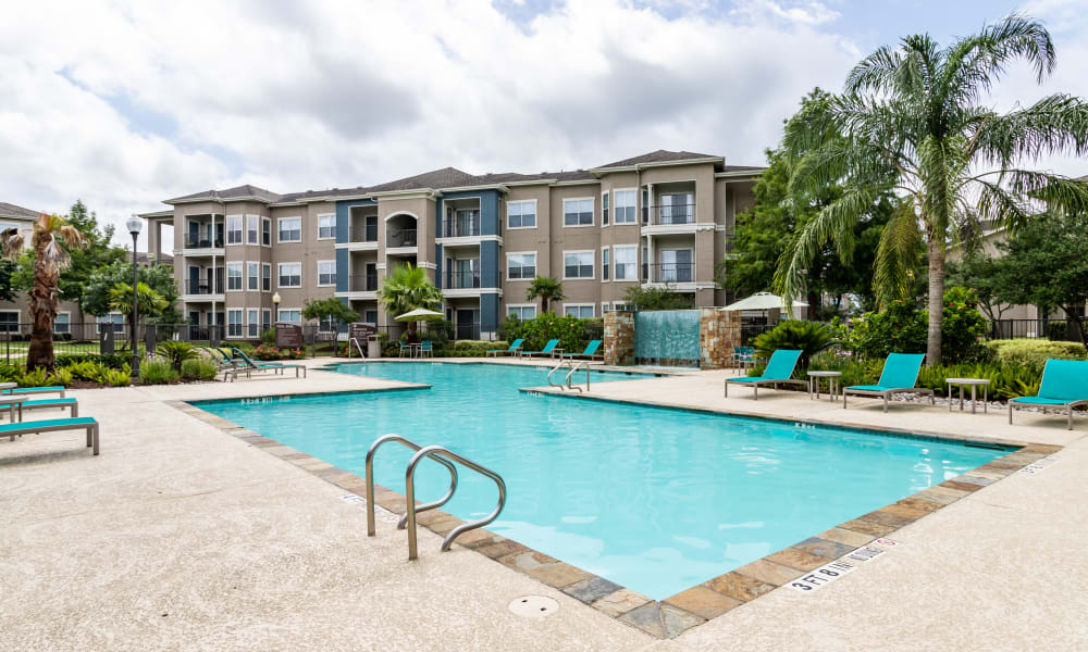 The Villas at River Park West offers a Swimming Pool in Richmond, Texas