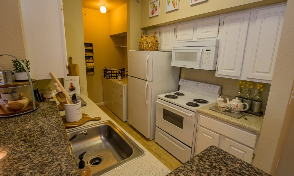 An apartment kitchen at Lexington Park Apartment Homes in North Little Rock, Arkansas