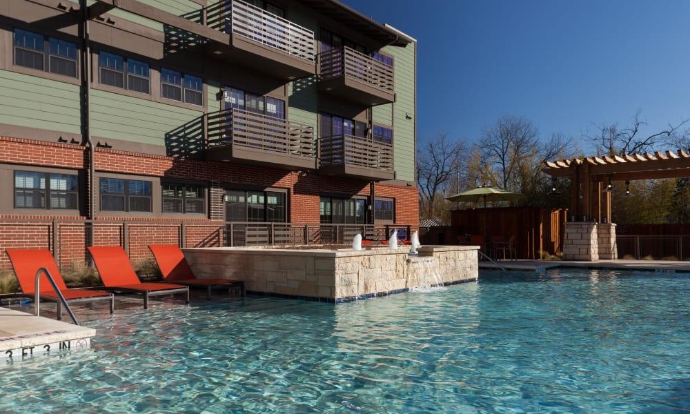 Beautiful Pool fountain at Bellrock Bishop Arts in Dallas, Texas
