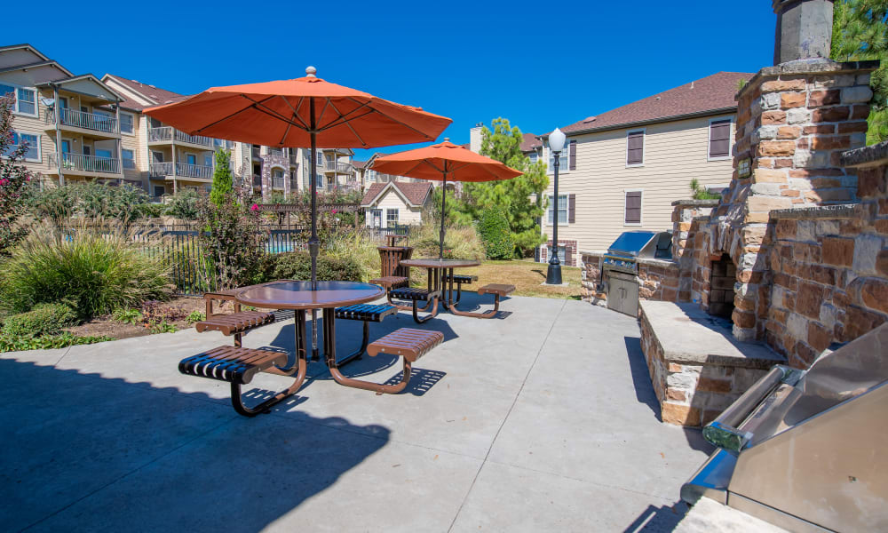 An outdoor patio area at Tuscany Hills in Tulsa, Oklahoma