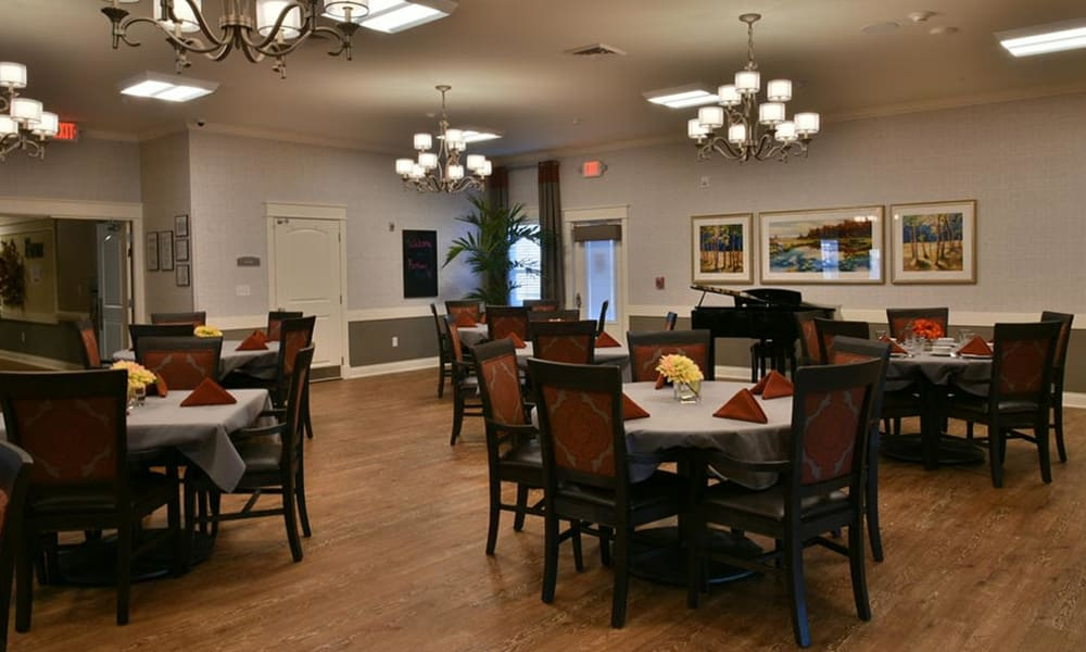 Family Style Dining at Parkway Cove in Covington, Tennessee
