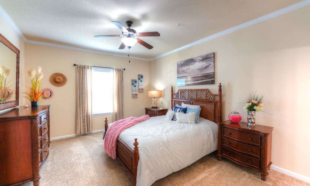 Large bedroom with lots of light at Cabana Club and Galleria Club in Jacksonville, Florida