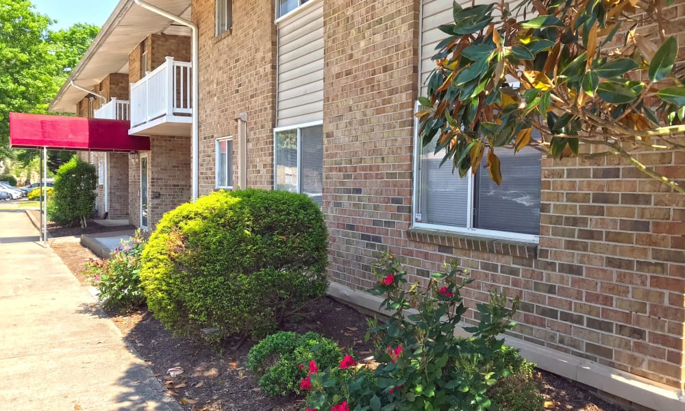 A beautifully manicured property at Patriots Crossing in Newport News, Virginia
