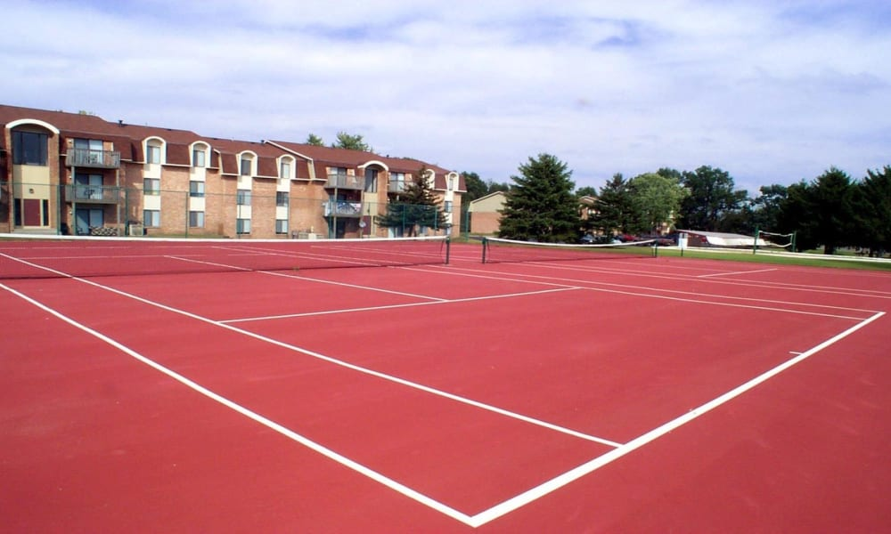 Tennis courts at Arbors of Battle Creek Apartments & Townhomes in Battle Creek, Michigan