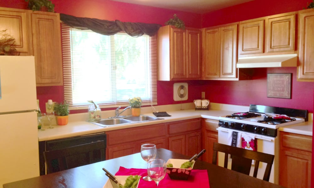 Spacious kitchen at Autumn Woods Apartments & Townhomes in Jackson, Michigan