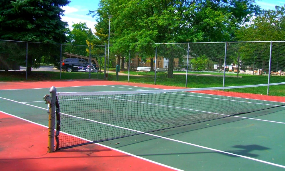 Tennis courts at Autumn Woods Apartments & Townhomes in Jackson, Michigan