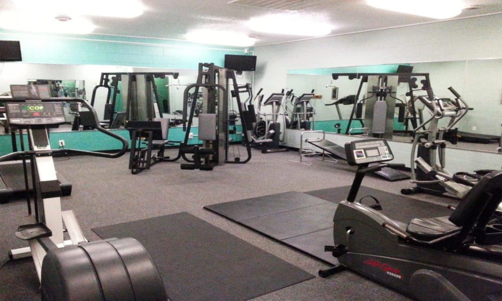 Fitness center at Briarcliffe Apartments & Townhomes in Lansing, Michigan