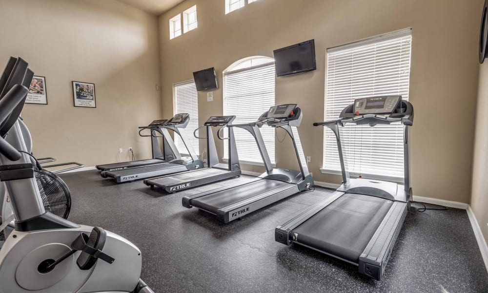 Treadmills at Chateau des Lions Apartment Homes in Lafayette, Louisiana