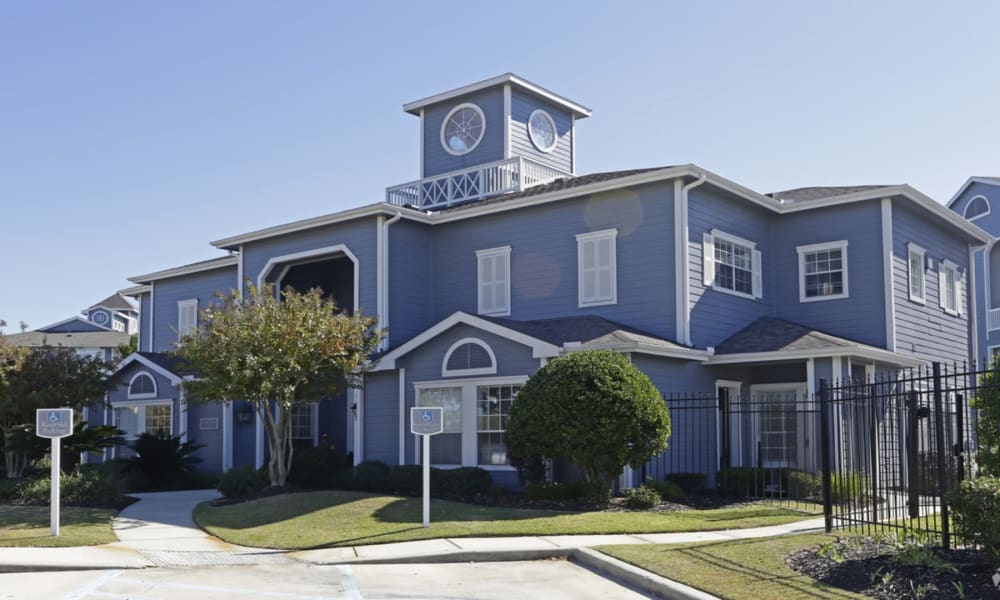 Leasing office at Villa du Lac Apartment Homes in Slidell, Louisiana