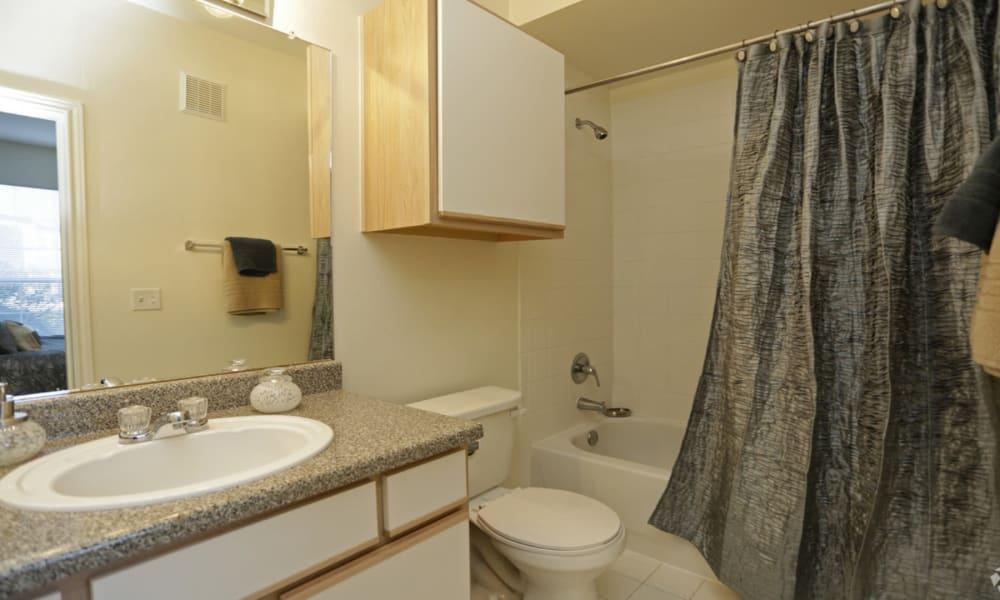 Spacious bathroom at Villa du Lac Apartment Homes in Slidell, Louisiana