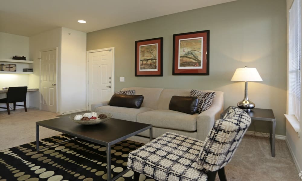 Living room at Villa du Lac Apartment Homes in Slidell, Louisiana