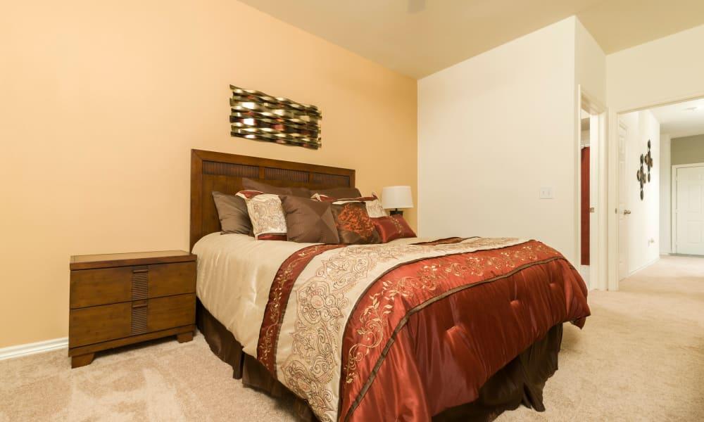Bedroom at Villa du Lac Apartment Homes in Slidell, Louisiana