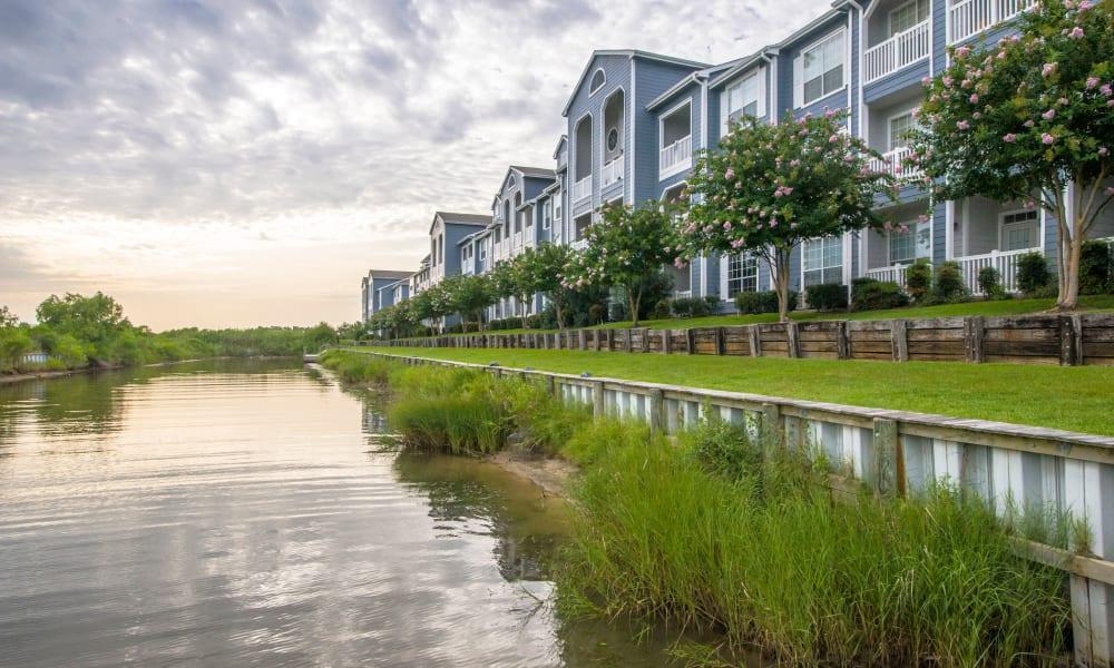 Waterfront view at Villa du Lac Apartment Homes in Slidell, Louisiana