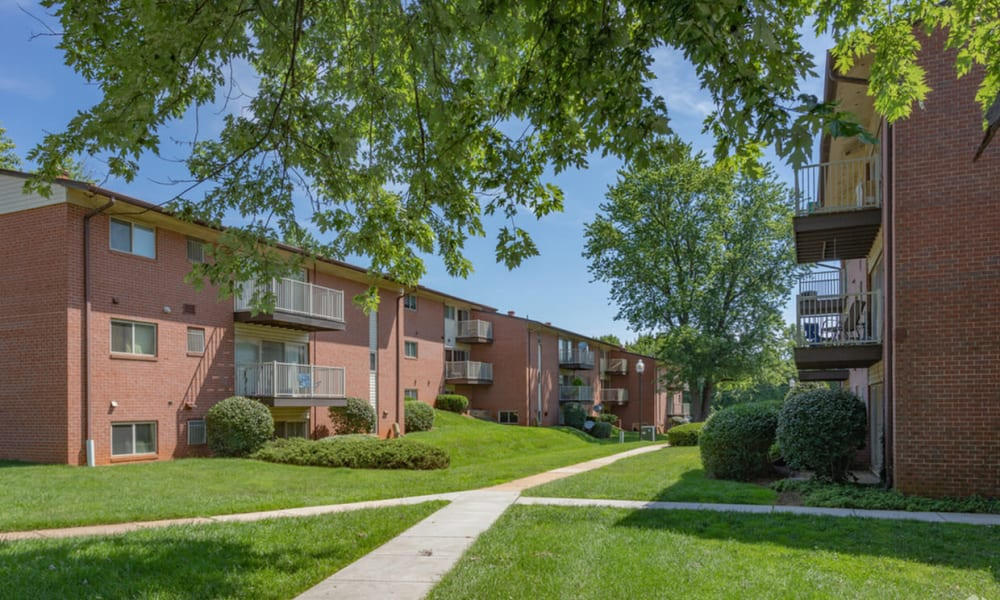 Beautiful walkways at Morningside Apartments & Townhomes in Owings Mills, Maryland