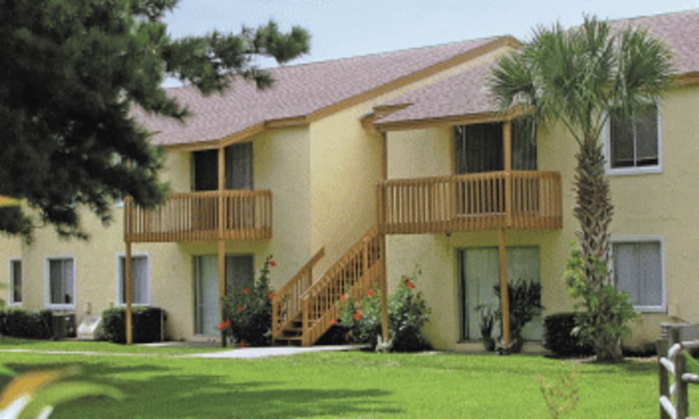 Balcony at Pointe Sienna Apartment Homes in Jacksonville, Florida