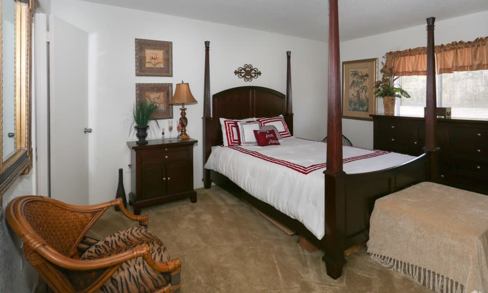 Bedroom at Pointe Sienna Apartment Homes in Jacksonville, Florida