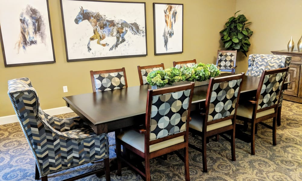 Dining area at Timber Pointe Senior Living in Springfield, Oregon