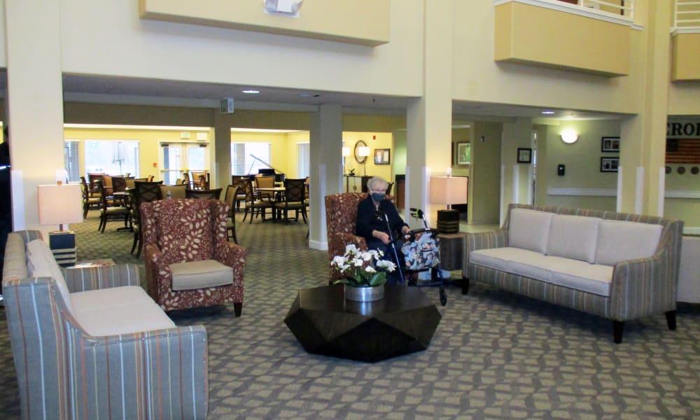 Lobby at Woodside Senior Living in Springfield, Oregon