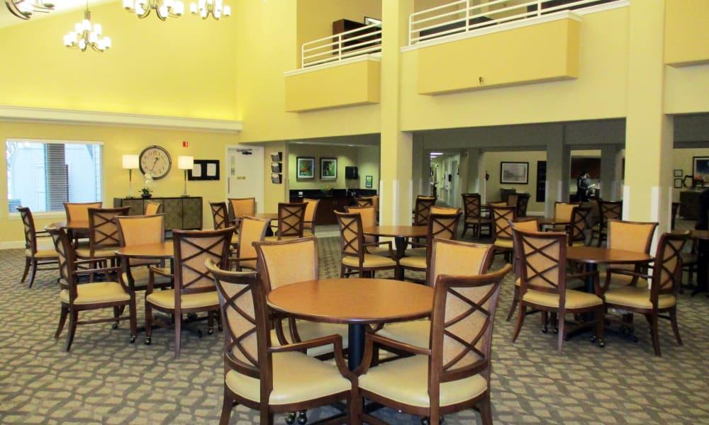 Dining area at Woodside Senior Living in Springfield, Oregon