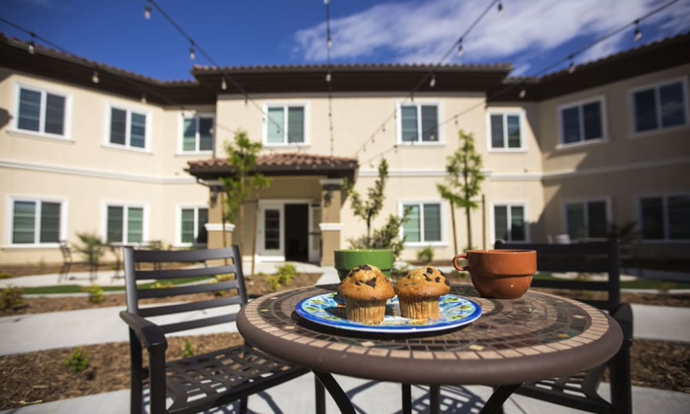 Seating area outside at The Pointe at Summit Hills in Bakersfield, California