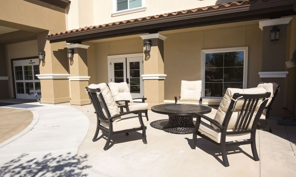 Patio seating at The Pointe at Summit Hills in Bakersfield, California.