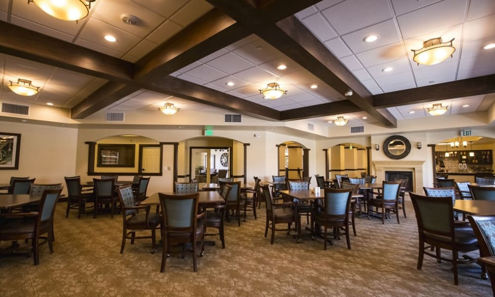 Large resident dining room at The Pointe at Summit Hills in Bakersfield, California.