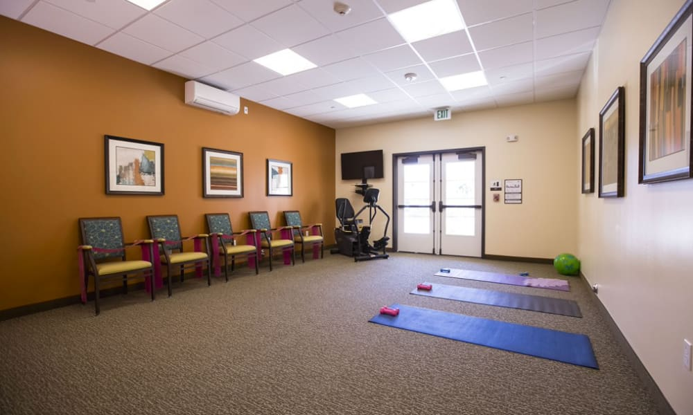 A spacious fitness area at The Pointe at Summit Hills in Bakersfield, California.