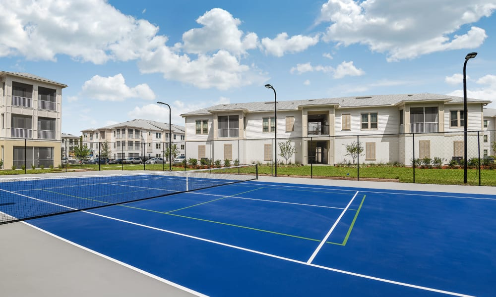 Well-maintained tennis courts at Palm Bay Club in Jacksonville, Florida