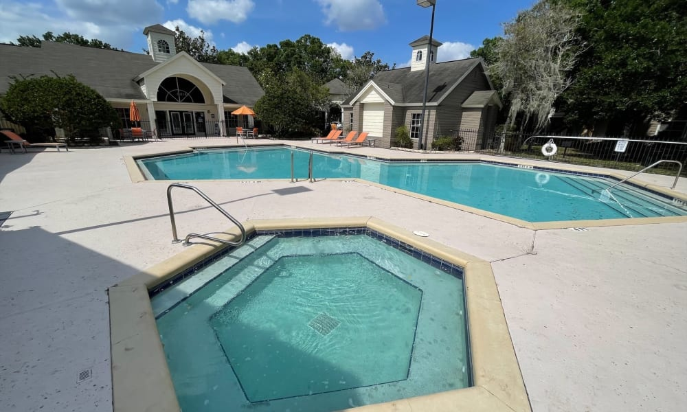 Enjoy Apartments with a Swimming Pool & Hot Tub at Promenade Apartment Homes in Winter Garden, Florida