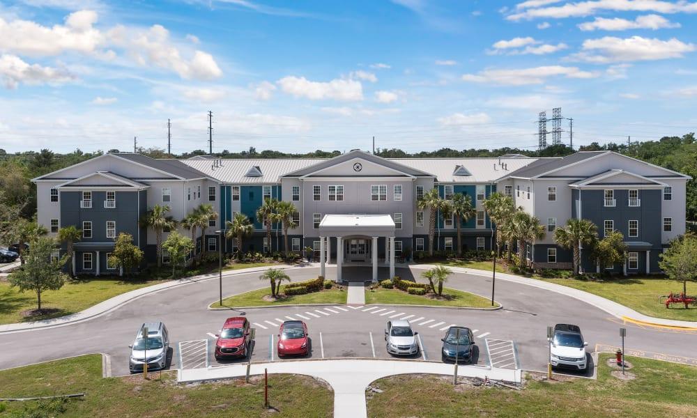 The grand exterior of Gentry Park Orlando in Orlando, Florida